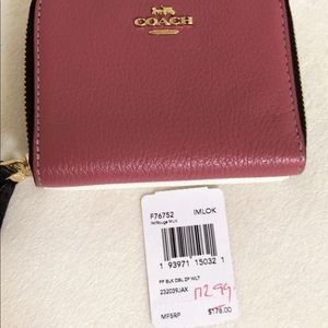 Coach Bags - 💃COACH Small Double Zip Around Wallet